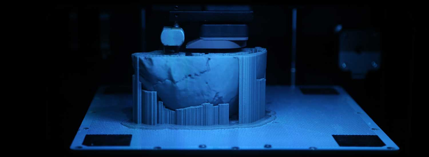 3D printing a fossil of Homo naledi in the Hawks laboratory